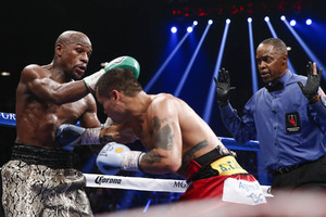 Mayweather Jr Dashes Khan's Hope Of 'Super Fight'