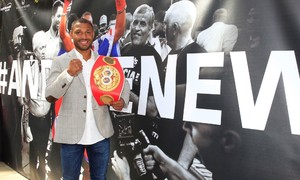 Brook Receives Hero's Welcome In Sheffield