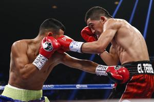 Santa Cruz Cruises in 2nd Rd TKO, Retains WBC Title