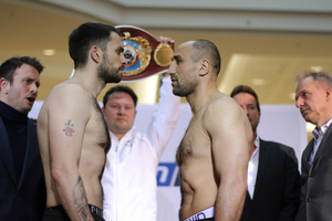 Abraham And Smith Make Weight
