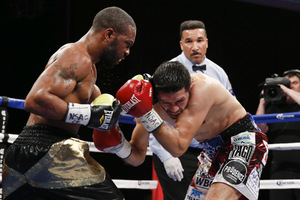 "Russell Jr. Makes ""Fast"" Work Of Gonzalez/Charlo Defeats Martirosyan"