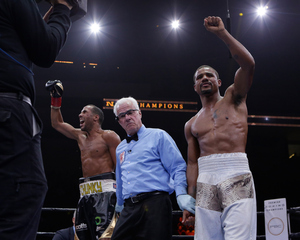 Andre Dirrell won by DQ.