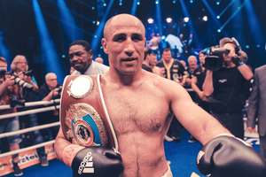 Abraham Signs Contract Extension With Team Sauerland