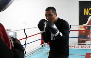 Shumenov Makes First Title Defense