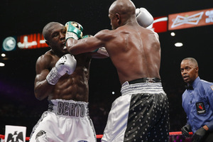 Ellerbe: 'Floyd Mayweather is RETIRED, End Of Discussion.