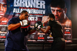 Broner Defeats 'The Hawk', Pedraza Edges Out Cherry In Tough Battle
