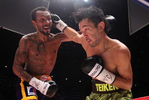Shinsuke Yamanaka stops Anslemo Moreno in rematch!