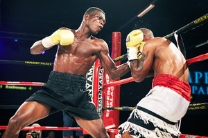 Commey Gets KO Over Luna