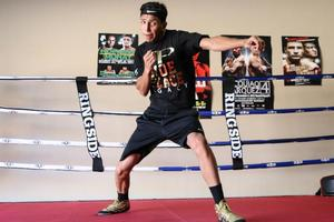 Barrios Prepares For Boschiero Challenge