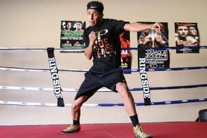 Barrios Prepares For Boschiero Challenge