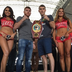 Smith And Alvarez Make Weight
