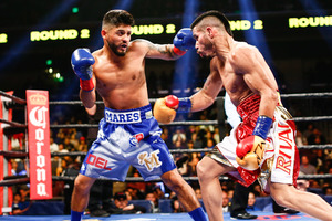 Mares picks up fourth world title.