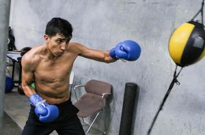 Barrios Set For Lightweight Debut