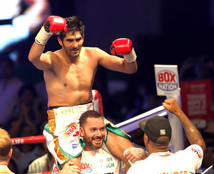 Singh Defends Title In New Delhi