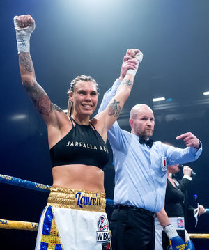 Lauren To Challenge Piatkowska For World Title