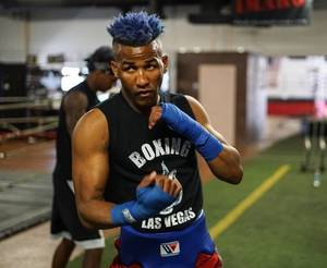Rances Barthelemy gets controversial win.