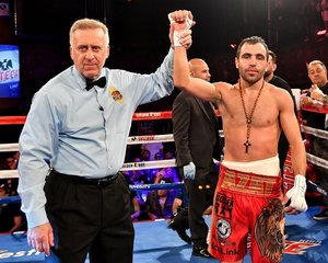 Hovhannisyan Outscores Carranza Over 8 Rounds