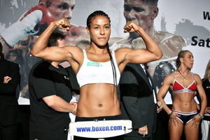 Braekhus Defends Title Against Lauren