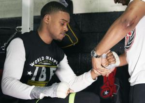 Spence Jr Works Out For The Media