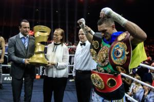 Usyk Schools Gassiev In Moscow