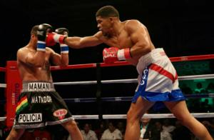 Torres Defeats Mamani In Title Clash