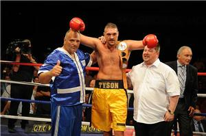 Fury Defeats Chisora