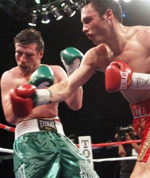 Chavez rocks Duddy: Rafael Soto/Top Rank
