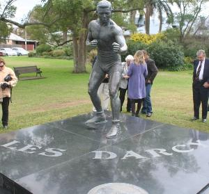 Les Darcy statue, East Maitland, Australia