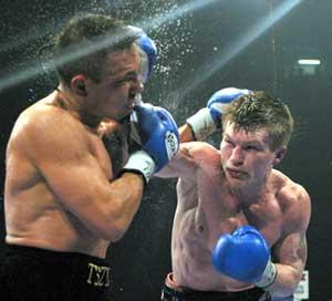 Hatton crushes Tszyu (pic Mr Will)