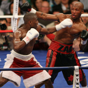 Mayweather v Judah (pic Tom Hogan)