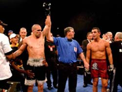 Mundine won a split points decison over Soliman in September 2001