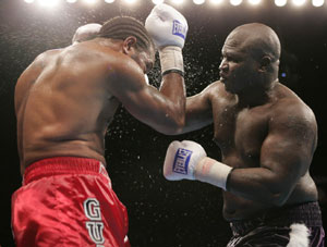Toney in his last fight v Guinn (pic Casino/Showtime)